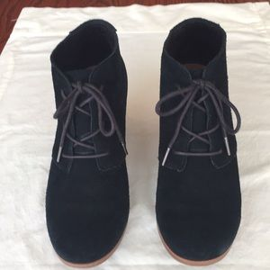 Tom's Lunata Lace Up Black Suede Booties